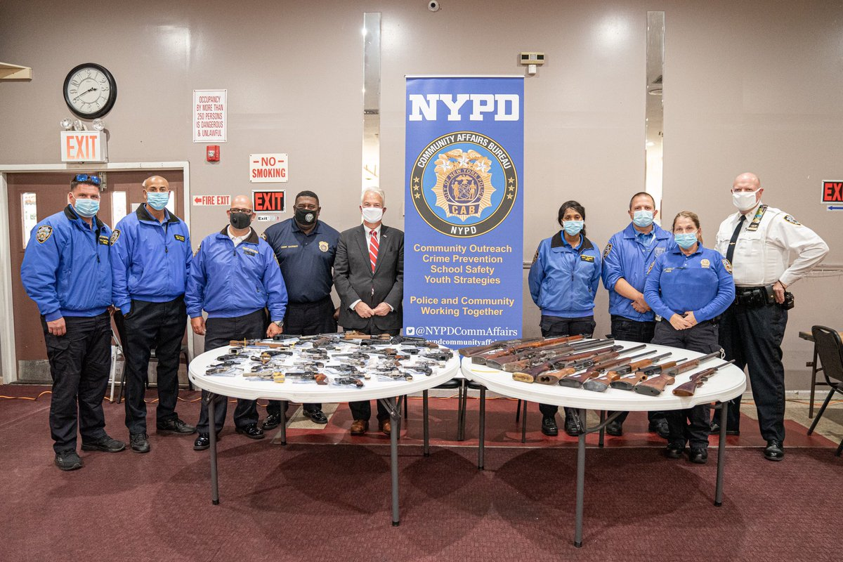 #StatenIsland: 73 guns were turned in today by residents from all over the island! Thank you to our partner @StatenIslandDA & @NYPDCommAffairs for help making this event a success. https://t.co/pEzRQWfCp1