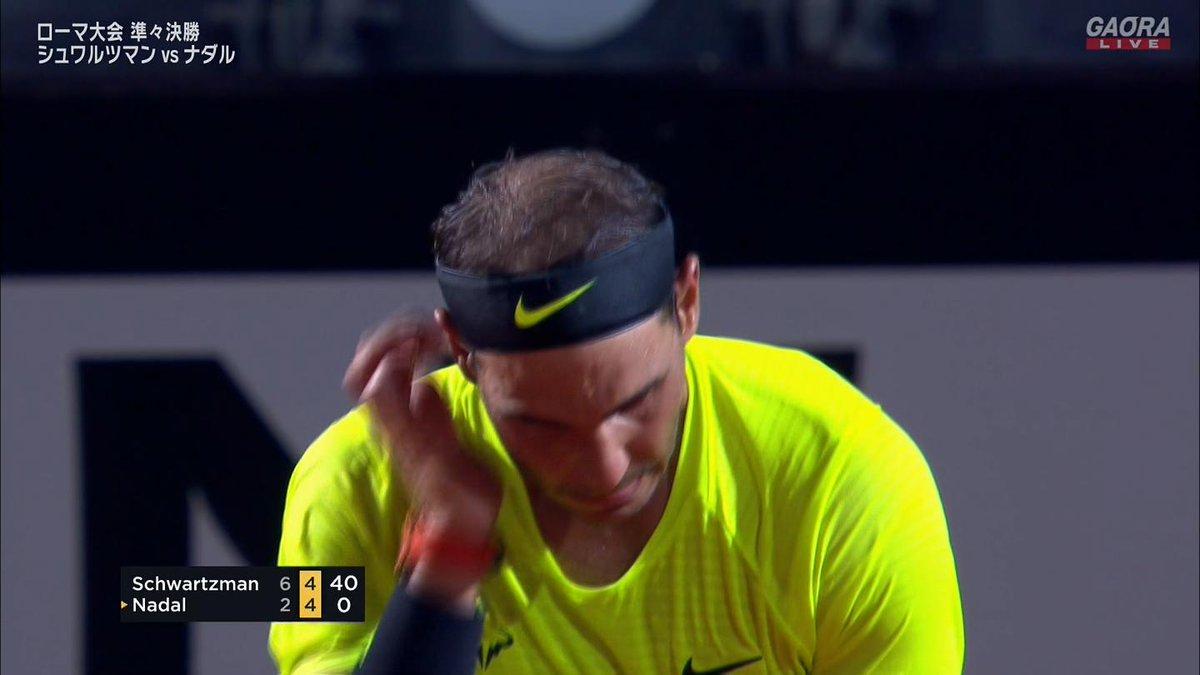 第2セット第9ゲーム シュワルツマンブレイク  シュワルツマン 5-4  ナダル 後がなくなる  🇪🇸ナダル vs シュワルツマン🇦🇷 BNLイタリア国際 ATP Masters 1000 準々決勝🎾 https://t.co/gDgMxuz9oM