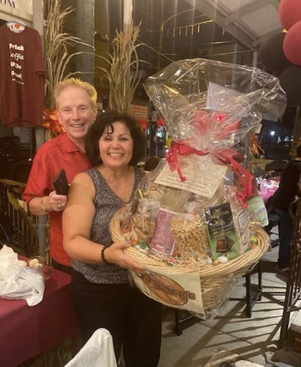 Love shopping the #9thStreet #ItalianMarket?   Take-a-Chance to WIN a $500 Shopping Spree Raffle Basket to support our #CoffeeForACause.  100% of monies collected will support Children with #dyslexia & #readingliteracy.  Pictured are the 2019 Winners...The Kuvinka's of Woodbury, https://t.co/rHweP9mY1S