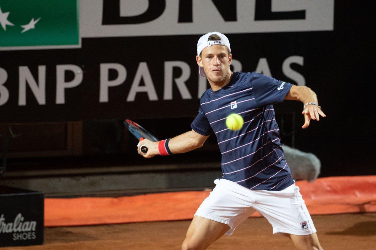 Surprise en quarts de finale des #IBI20 à Rome ! Ce samedi soir, Diego #Schwartzman (n°13) 🇦🇷 se qualifie pour les demi-finales en éliminant Rafael #Nadal (n°2) 🇪🇦 en deux sets 6-2, 7-5. Next ➡️ Denis #Shapovalov (n°14) 🇨🇦. #ATPTour  (📸 : @InteBNLdItalia) https://t.co/iAUJ4AoeJ2