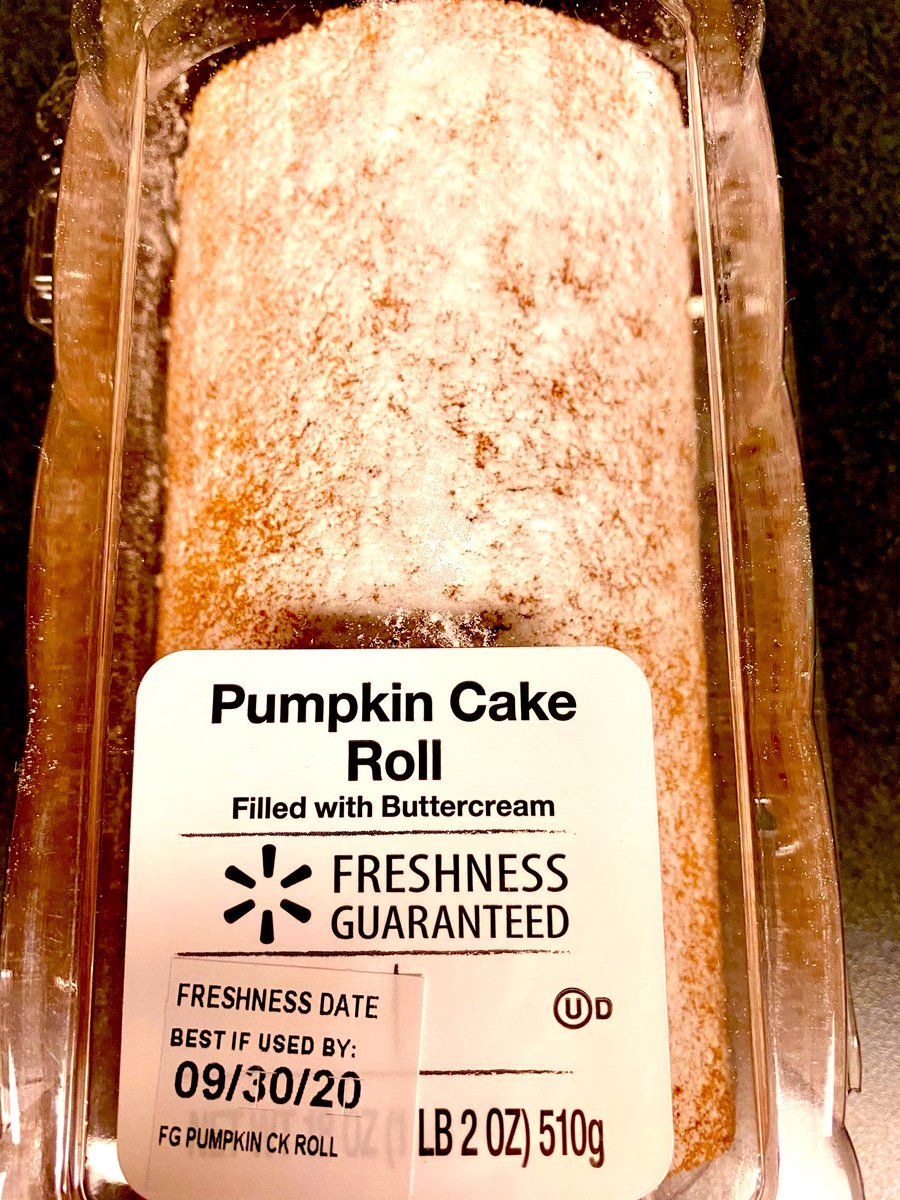 I really liked this pumpkin roll. The main reason, it had a buttercream filling instead of the traditional cream cheese filling. Not a fan of the cream cheese filling. #food #foodie #dessert  #foodpics #sweet https://t.co/KAZaTM2uE3