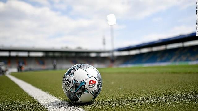 【コロナ対策】独サッカーで対人距離優先し7選手のみ出場、0対37で敗れる独のアマチュアサッカークラブ。「得点差はひどいものだが、我々にとって試合以上に重要なのは安全」と主張した。