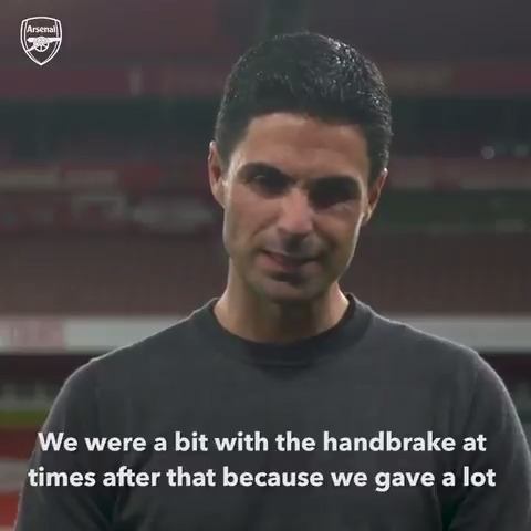 🛑 Hang on boss, did you say... 𝗵𝗮𝗻𝗱𝗯𝗿𝗮𝗸𝗲? @m8arteta throwing this one in for the OGs 🤣