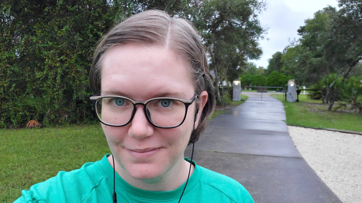 First time I have had time to do my regular walk in a long while and of course its gray and drizzly so Im staying close to the house, listening to @printrunpodcast with @LZats and @erikhane today