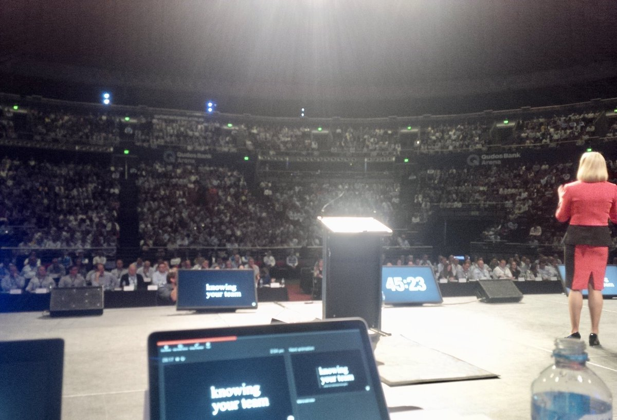 4 years ago : The good old days! I wonder how long it will be before we can safely have events & large audiences like this again? #matinajewell #leadershipinaction #resilienceinaction #crisisleadership #australianleaders #virtualkeynote #keynotespeaker #resilience #speakerslife https://t.co/5X5WfQ9fG9