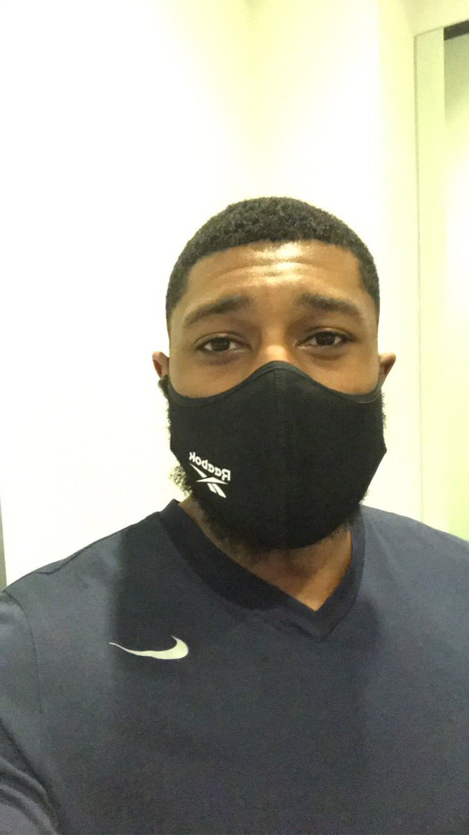 Do you like to protect your gym bro's while working out?? I'd recommend this @Reebok face mask, super breathable. #SponsorshipMe https://t.co/tOtp4IGAPB