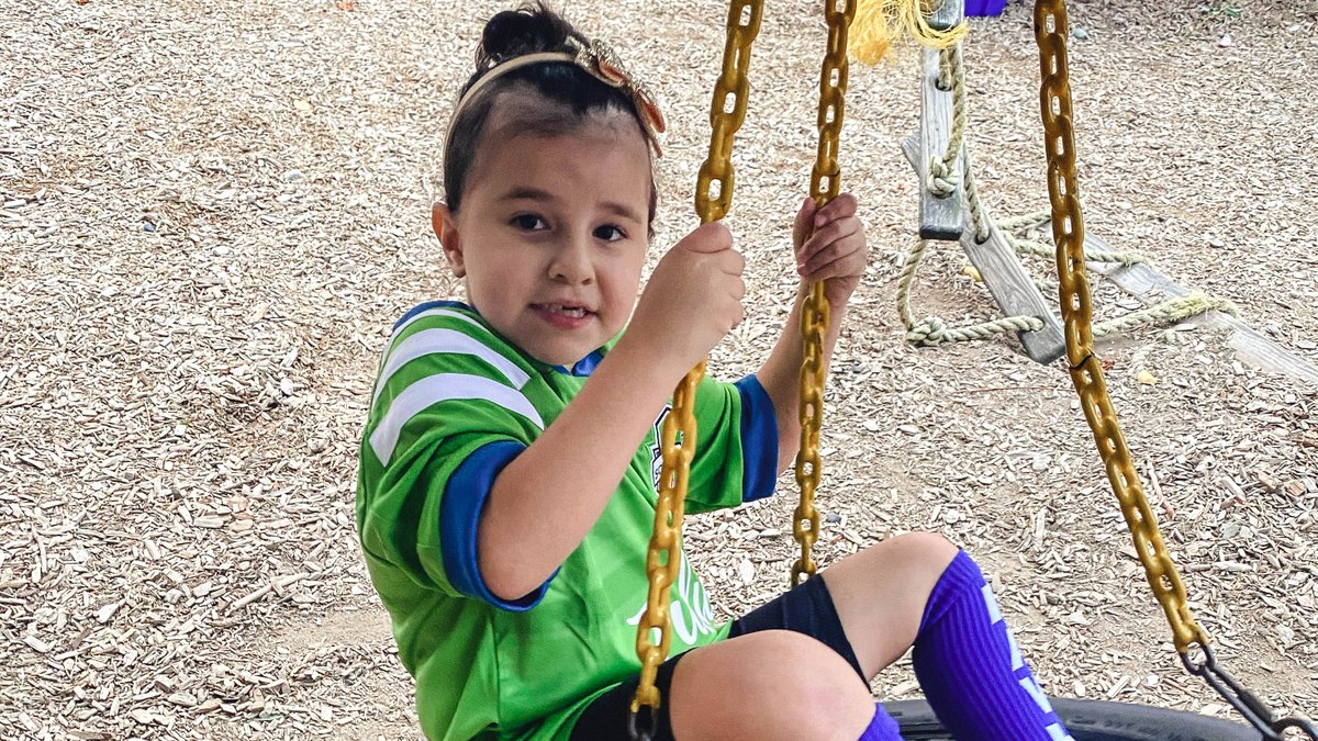 Meet Marissela from @seattlechildren's, our Honorary Team Captain for #SEAvLAFC!  Age 6, she is fighting her second battle with Acute Lymphoblastic Leukemia. She loves Frozen and her favorite player is @RaulRuidiazM. 💚  #SeattleChildren #KickChildhoodCancer #AustenEverettFdn https://t.co/Qq5piMagGv