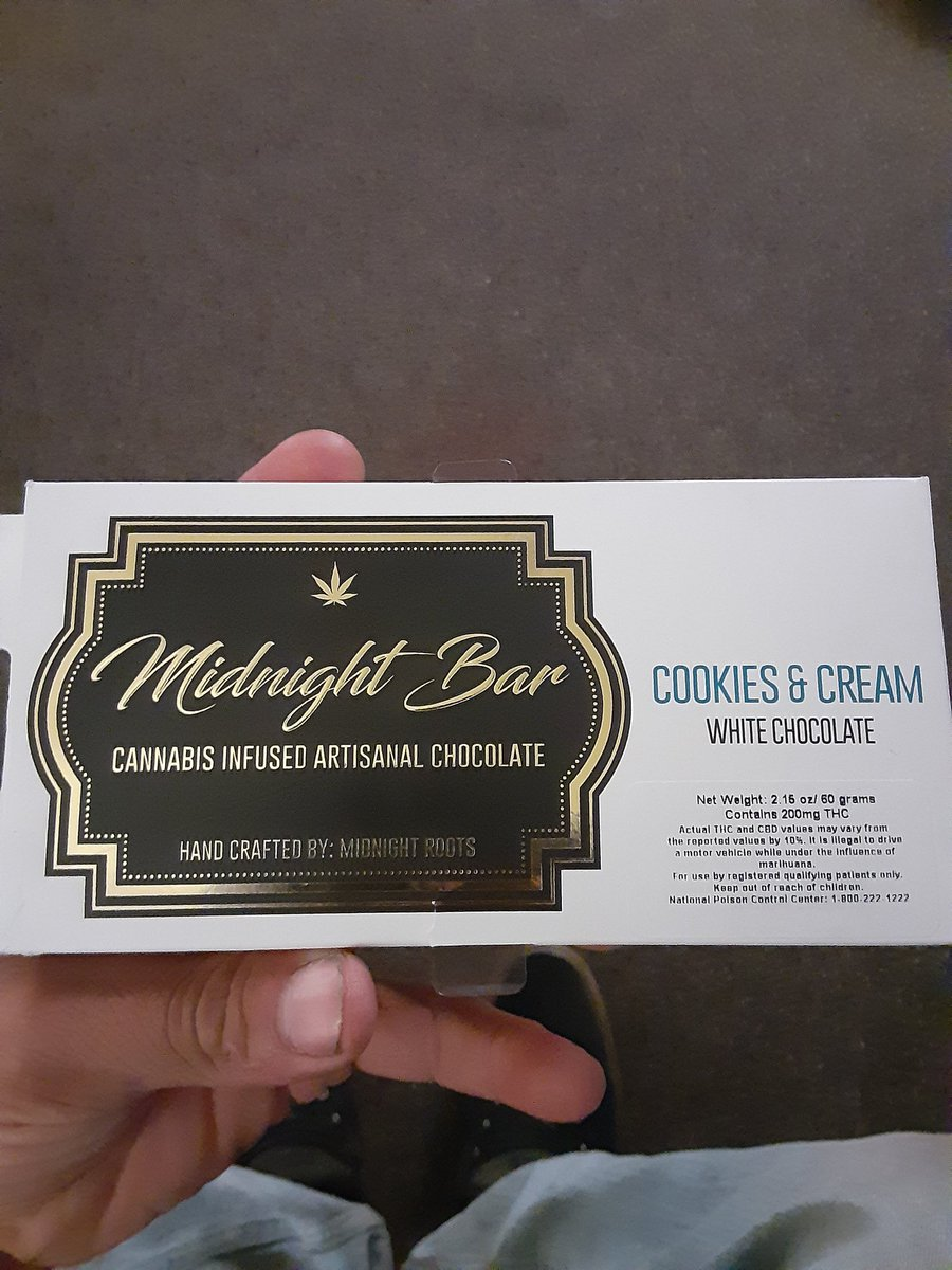 Question.. Has anyone ever had one of these Midnight Bars? It says dose low (1-2 squares) I ate 2 and I feel nothing. That was 3 hours ago. #StonerFam #CannabisCommunity #edibles #Stoner #Shatterday #Mmemberville https://t.co/EvC9VlXK50