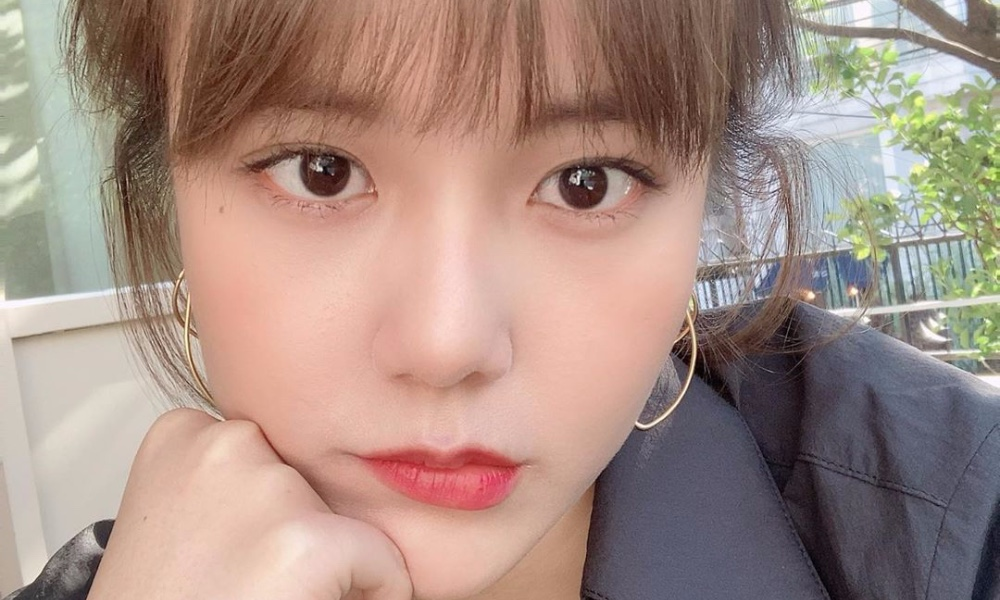 AOA's Hyejeong updates fans on recent whereabouts + says she miss AOA's fanclub ELVIS https://t.co/VqDgEK15qt https://t.co/zNOrCEj9hR