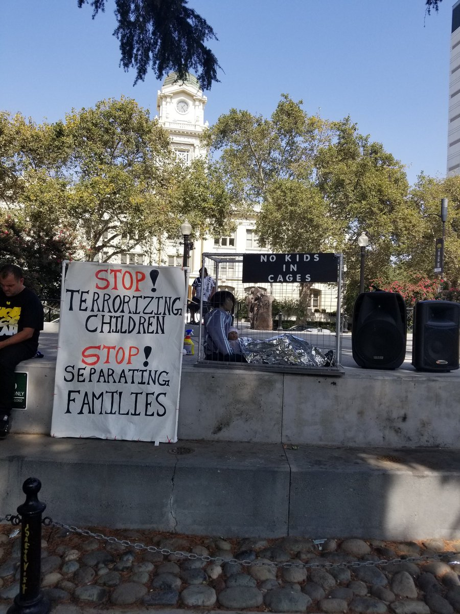 Excellent day to join the fight against #injustice  #NoKidsInCages Sacramento,CA https://t.co/u48J4NHGel