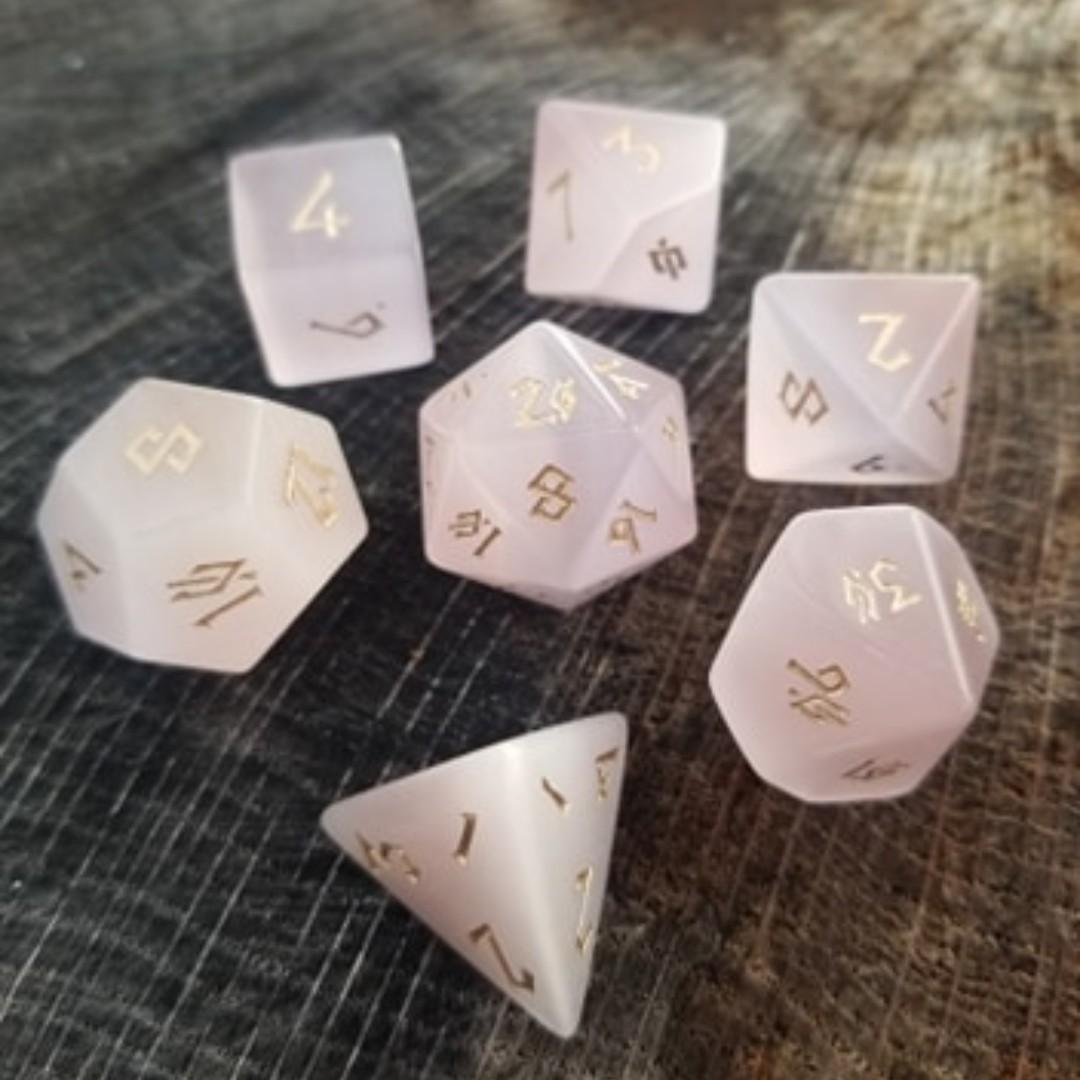 Pink Cat's Eye Gemstone dice 🐱  #dnddice #gemstonedice #stonedice #mistymountaingaming #dungeonsanddragons #dice #rpgdice #tabletopgaming https://t.co/0A7GdwXRQe