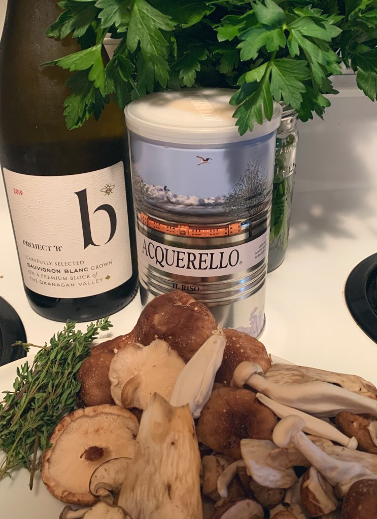 When you track down the good stuff.  Aged carnaroli from Italy. Wild mushroom risotto. @nytfood @risoacquerello #cookwithlaurel https://t.co/vRYxMnRIKm