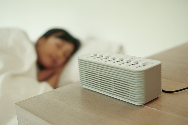 【寝つきをぐずる赤ちゃんや、ストレス疲れの大人へ】快適睡眠へと誘う環境音で、良質な睡眠空間をサポートする「おやすみノイズスピーカー」が10月上旬発売! @PRTIMES_J