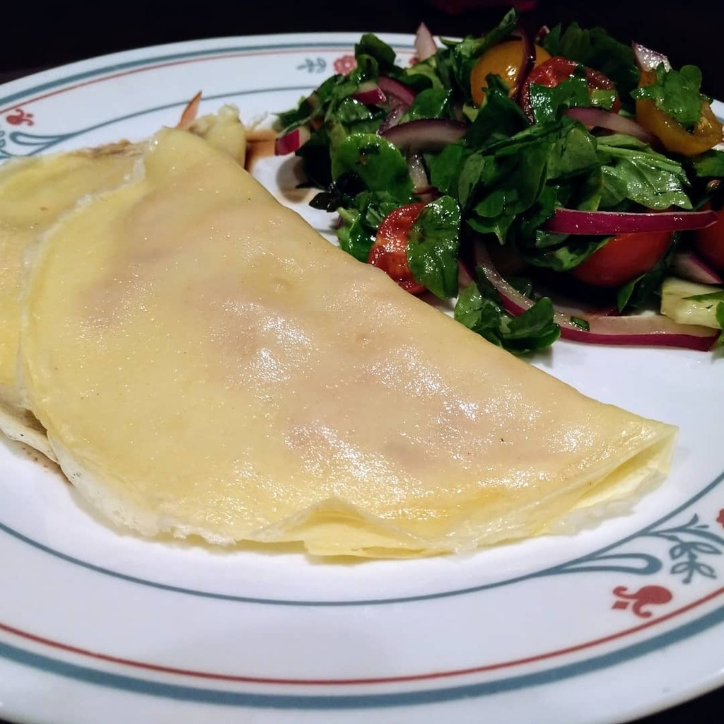 Ham and Cheese Crepes with Chopped Salad  Recipe from @rachaelray #30minutemeals #dinner #homecooking #delicious #foodie #foodpics #yum #nomnom https://t.co/LceEky2qtc https://t.co/sz5Vrkz48y