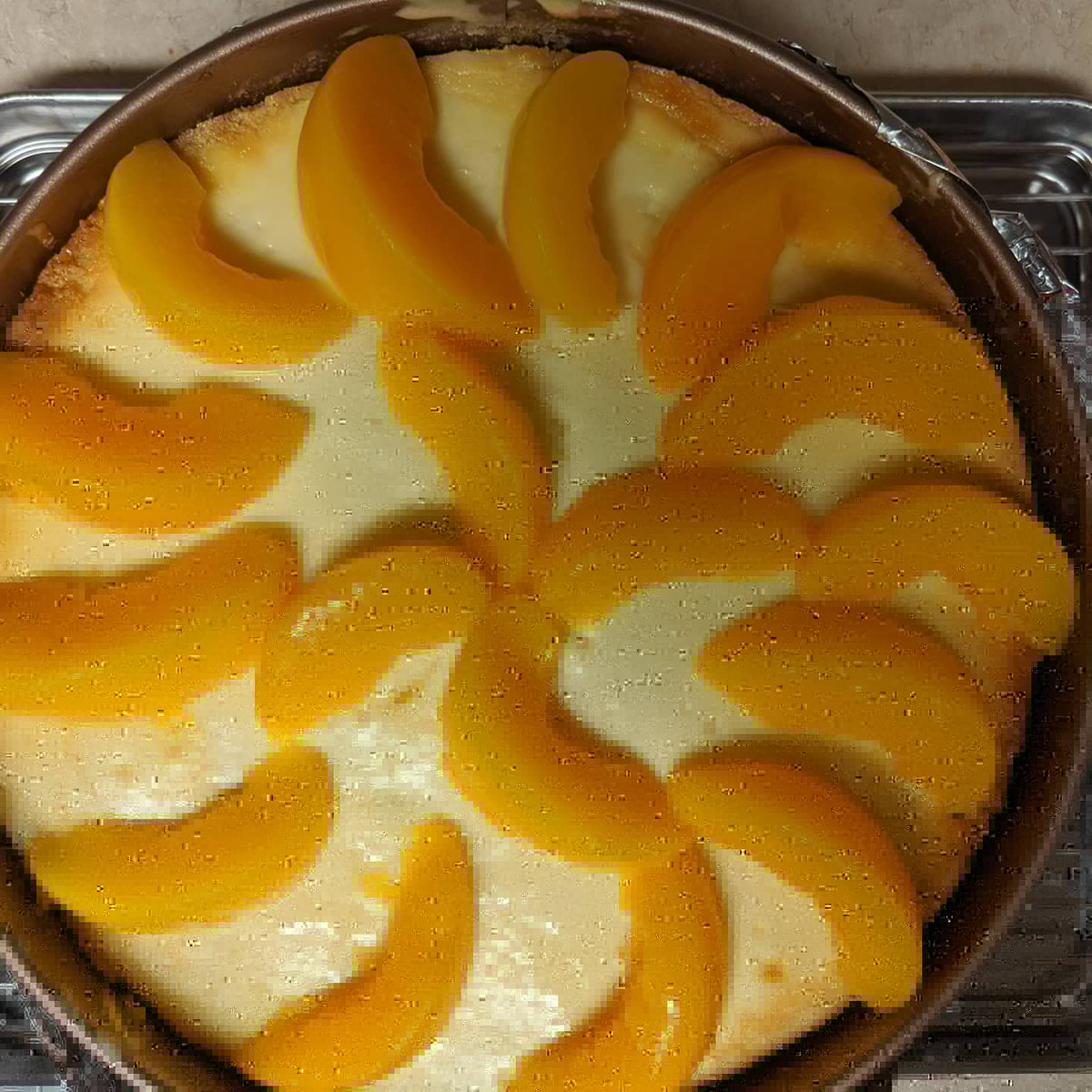 Peach cobbler cheese cake finally made #foodpics https://t.co/CmTV4rN9nB