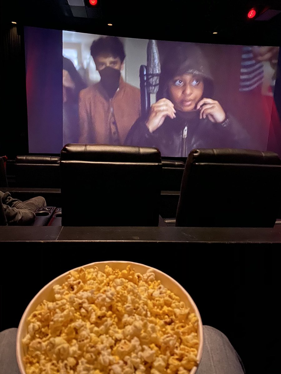 Man it was an extremely exciting time to be back in the #movies 😁😁😁 #staytuned because they're will be an #announcement for what we just saw 🤫🤫🤫 #topsecret #amctheatres #newjersey #goodtobeback #welovemovies #filmreview #criticalavepodcast https://t.co/72eBBEzhUL