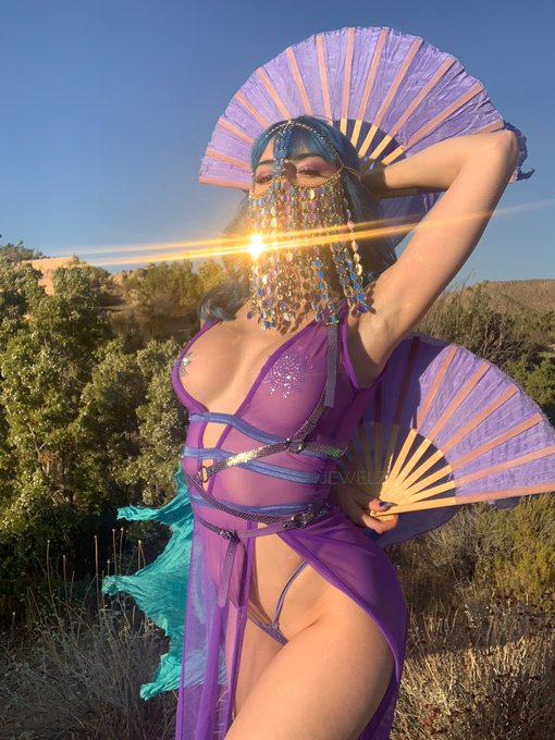 1 pic. Goddess energy ✨ https://t.co/1cXOxWnU6M