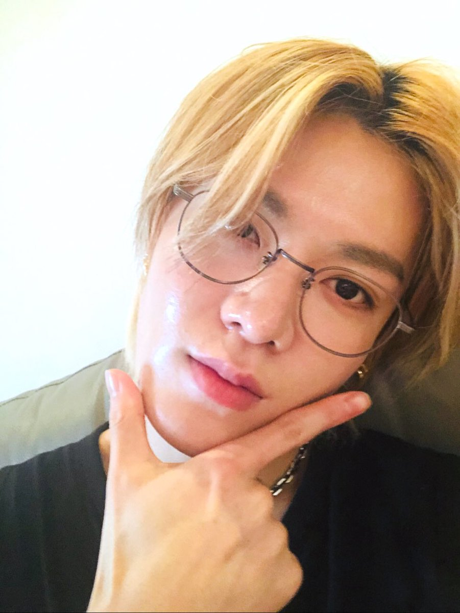 YUTA MY SWEET BABY! Please wear glasses more often! You look so good in them! @NCTsmtown_127 #YUTA #유타 #中本悠太 https://t.co/QQCevKhPiG