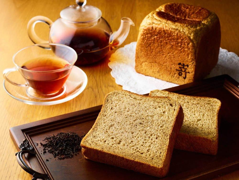 高級食パン専門店・嵜本「ダージリン薫る紅茶の食パン」復活、ダージリンティーたっぷりの週末限定食パン -
