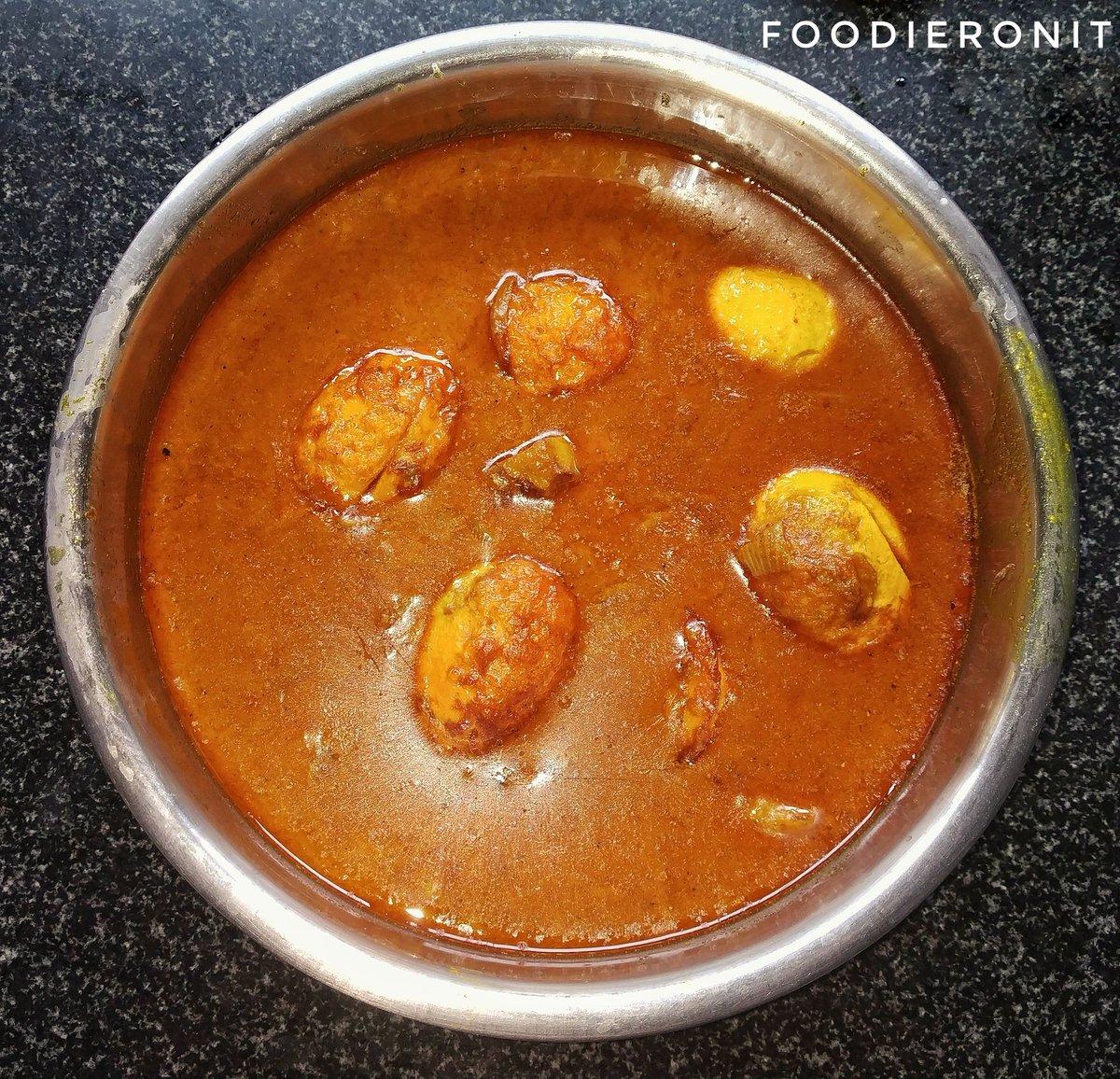 Sunday ho ya Monday, roz khao ande 😉  #foodieronit #eggcurry #egg #eggs #eggsofinstagram #egglover #curry #andacurry #eggrecipes #eggmasala #eggspicy #healthyrecipes #eatwellbewell #eggfavorite #shakshukaeggs #bhfyp #shotonredminote4 #indianfood #desifood #indiancooking https://t.co/R8ogPSxu4k