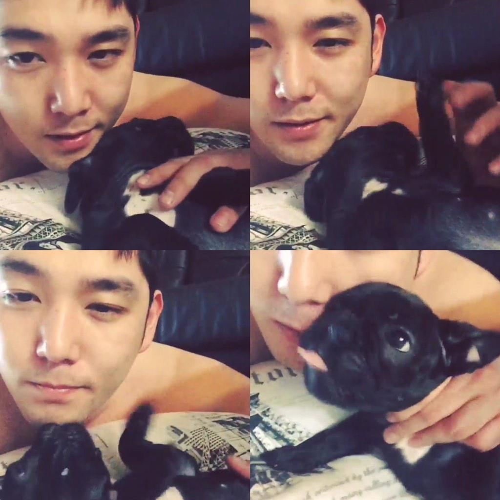 "Just another random photo from ""Super Junior shirtless"" album. #Kangin #SuperJunior https://t.co/3DoXffiIAi"