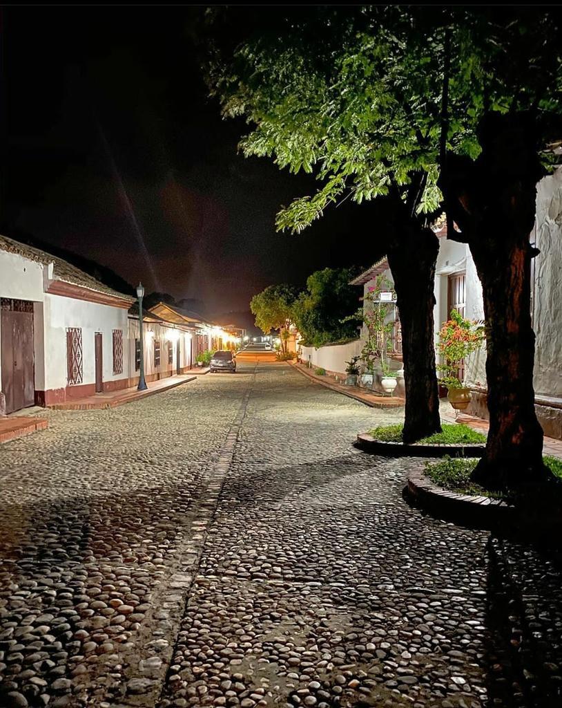 #BuenasNoches desde San Pedro del Río.... https://t.co/kzdcEeqPvQ