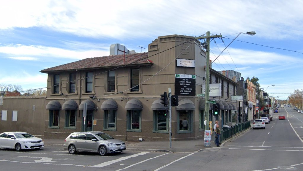 COVID lockdown forces Hawthorn Hotel to hand back lease to landlords - https://t.co/v3r7aEITNj https://t.co/vtNbGPVEAG https://t.co/yBcg0cQ1Gu