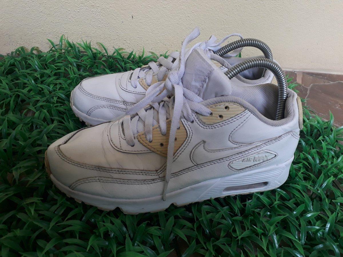 Nike Air Max งานหนัง ขาวตัดครีมเข้มๆ สวย เท่ ใส่ไปมหาลัยได้ Size 40/25cm. ราคา 309.- #airmax #nikeairmax  #รองเท้ามือสองของแท้ #ราคาถูกที่สุดในไอจี #รองเท้าผ้าใบ #ถูกและดีมาก #Vans #adidas #nike #newbalance #ส่งต่อรองเท้าแบรนด์ #ส่งต่อรองเท้ามือสองของแท้ #ส่งต่อรองเท้ามือสอง https://t.co/mq7OWFgLYf