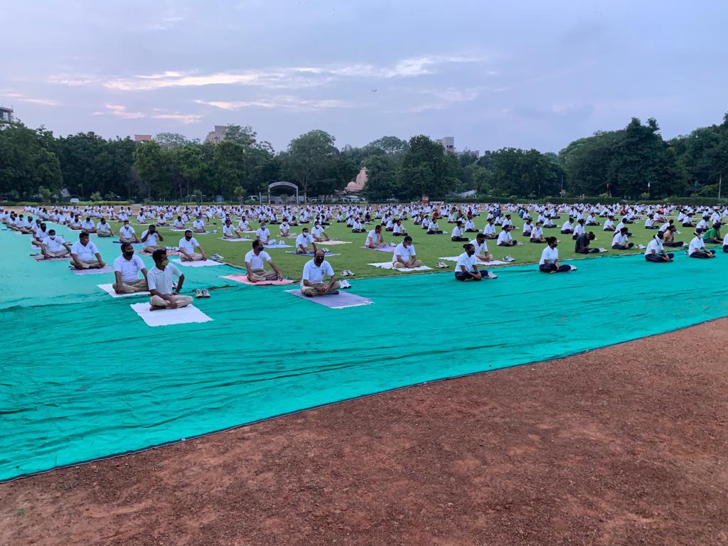 Ramashram Satsang Mathura organising Meditation/dhyan programme for Policemen at HQ Shahibaug ..Stress reliever in time of Covid..@AhmedabadPolice @dgpgujarat @GujaratPolice #newsinsideofficial #ips #police #sagarpatelsp965 #ips_national_service #ahmedabadpolice https://t.co/ZNqiEumO16