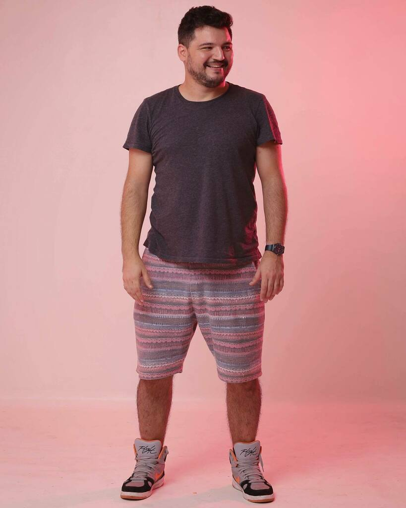 Rosinha 💖  #bear #gay #lgbt #beard #pink #light #photography #lighttest #nike #gap #forever21man https://t.co/mNk7tqhFPs https://t.co/Nh9Qt30vpj