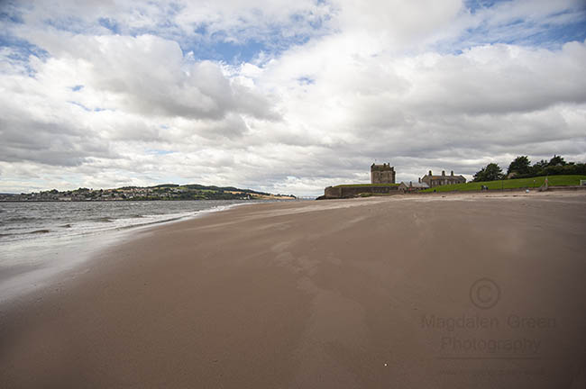 lovely #clouds #broughtyferry #castle #beach #discoverscotland #Dundee https://t.co/q8KqU7552Q