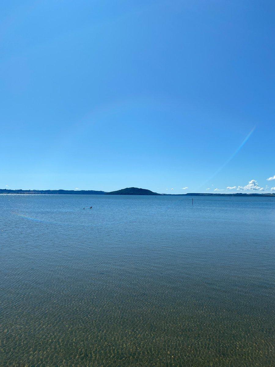 @GG10525823 @KDeterme @CapriceEnVie @TabottaM @colettechoplin3 @pilotedebus @FloFondacci @isabellegregi @titi37016271 @Belmedioni3 @stephan_199 @Marco44068075 @TabottaJean @Marco76345594 @vec_plaisir Le sachiez tu que le prochain week-end lorsqu'en samedi il y aura lieu le marathon de Rotorua autour du lac Rotorua! #RotoruaMarathon #42Kilometres https://t.co/ucBa32vsjd