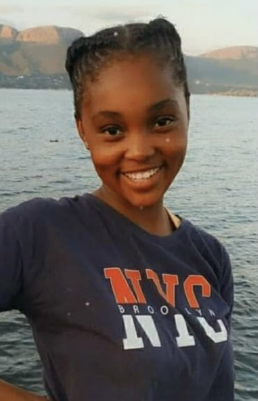 #Missing 16-year-old Siphesihle Maluleka was last seen on 12 Sept. The family suspects she may be a victim of a human trafficking syndicate. She could be in the Cape Town area. Anyone with info can call the family on 0639787030. @MakeSAsafe https://t.co/lFVfbST1qz