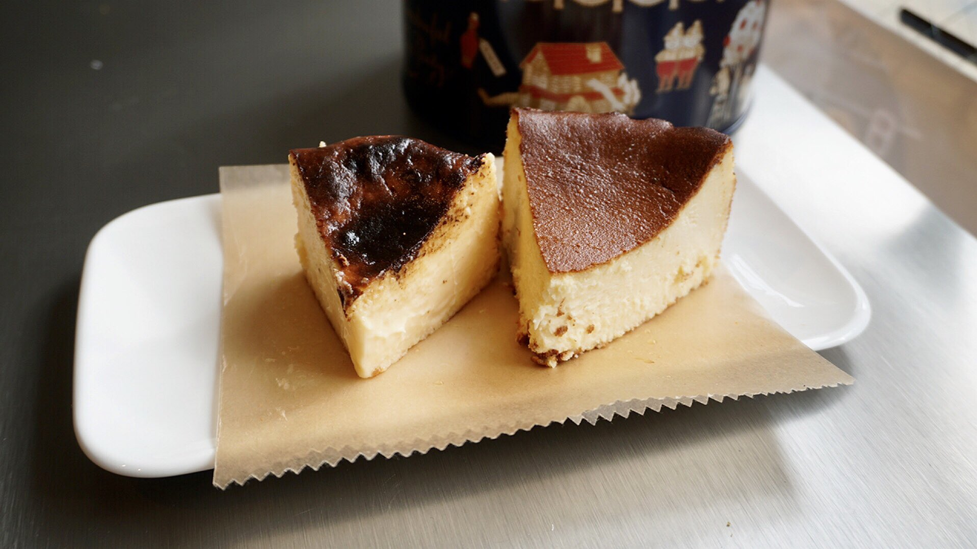 お取り寄せ(楽天) ワンダーランド缶★ バスクチーズケーキ パサージュ1141 価格3,600円 (税込)