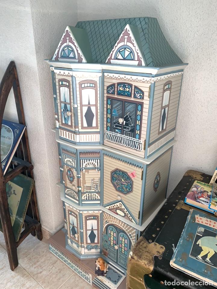 En #subasta, este curioso mueble con forma de casa en excelente estado de conservación ¡Mide  más de un metro de altura!  https://t.co/1REbZl8Nxh https://t.co/DnRk3Mkv3S