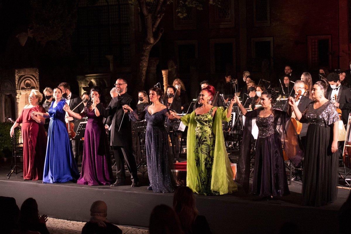 11. Uluslararası İstanbul Opera Festivalimiz sıkı tedbirlerle gerçekleşen açılış konseri ile başladı 🎶  İstanbul Arkeoloji Müzelerimizin bahçesinde 27 Eylül'e kadar devam edecek. Kültür, tarih ve sanat birarada !  @TCKulturTurizm  @devletoperabale  @idobaleistanbul https://t.co/Ri7170Ei3s