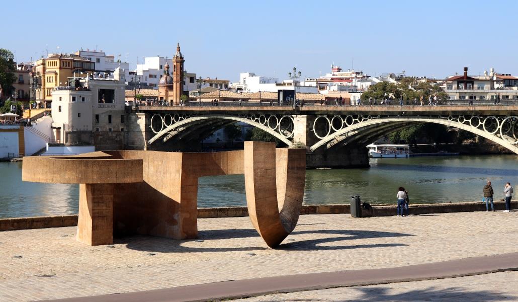#ViveAndalucia | Los 7 monumentos más particulares de Sevilla https://t.co/bnVopenNUr vía @sevilla_secreta #Sevilla https://t.co/IYn7w41pV1