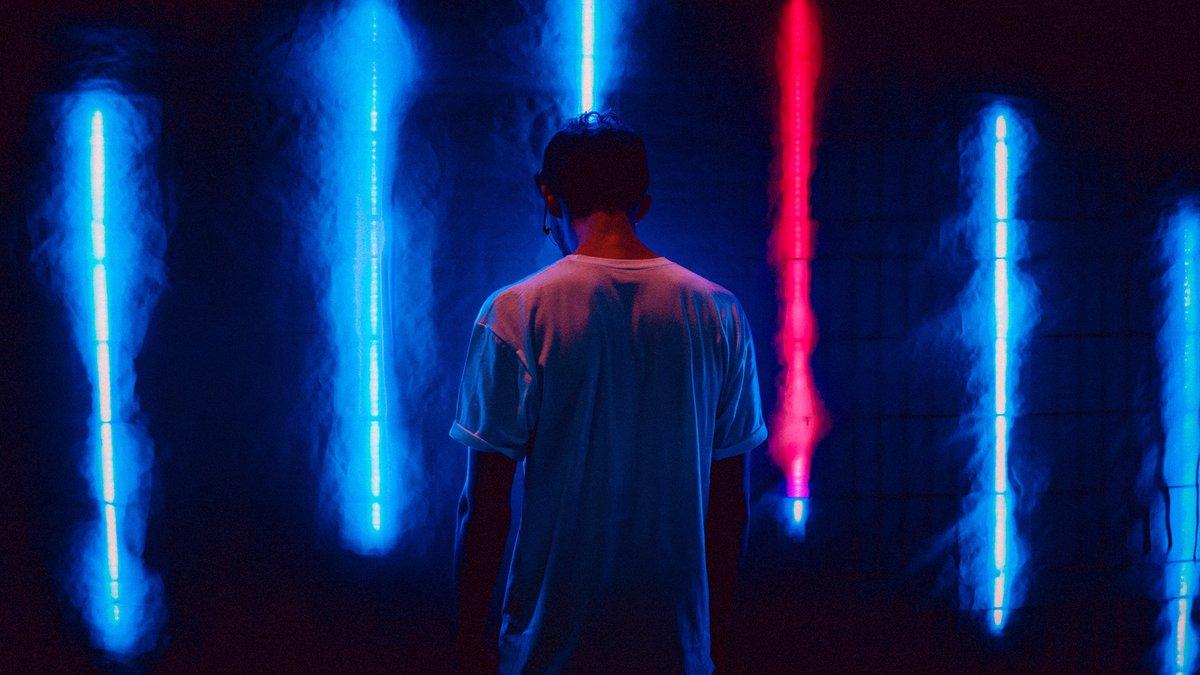 """Haunt Me"" - superb electronic pop / future bass by Leonell Cassio ft. Ave Pes.  Free download: https://t.co/OyVmXOTDG0  #royaltyfreemusic #freemusic #vlogmusic #nocopyrightmusic #musicforvlogs #electronicmusic #pop #popmusic #futurebass #coolmusic #song #coolsong #darkmusic https://t.co/uTlHpIyLDr"