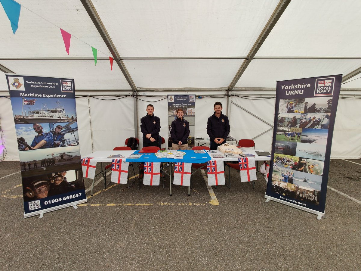 Just joined @UniOfHull and interested in the Royal Navy? Come visit us at our freshers stall for more information. ⚓