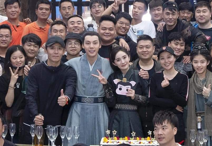 """202009 drama #novolandpearleclipse officially closed today! """"Thank you to the actors and crew for your companionship and efforts together in the past time. #yangmimimi912 #novoland #pearleclipse #斛珠夫人 #陈伟霆斛珠夫人    #williamchanwaiting #WilliamChan #陈伟霆 #陳偉霆 https://t.co/O01pqUk9d0"""
