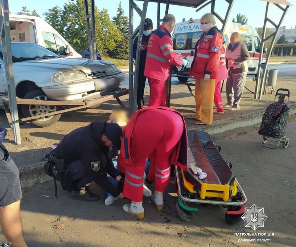 Автомобиль в Мариуполе врезался в остановку. Есть пострадавшие, - ФОТО  https://t.co/fLKjWq9QYv https://t.co/97cUxx7aW7