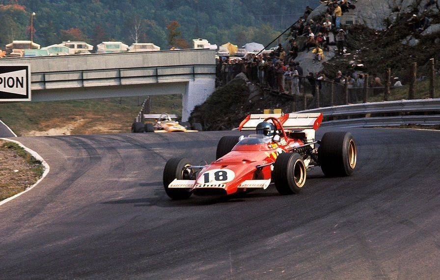 #OnThisDay in '70 - exactly half a century ago - Jacky Ickx won the #CanadianGP at Mont-Tremblant in a Ferrari 312B. Great driver, great circuit, great car. In the background is Denny Hulme in a McLaren M14A, also a great combo. https://t.co/HZ7Rw3c2ps