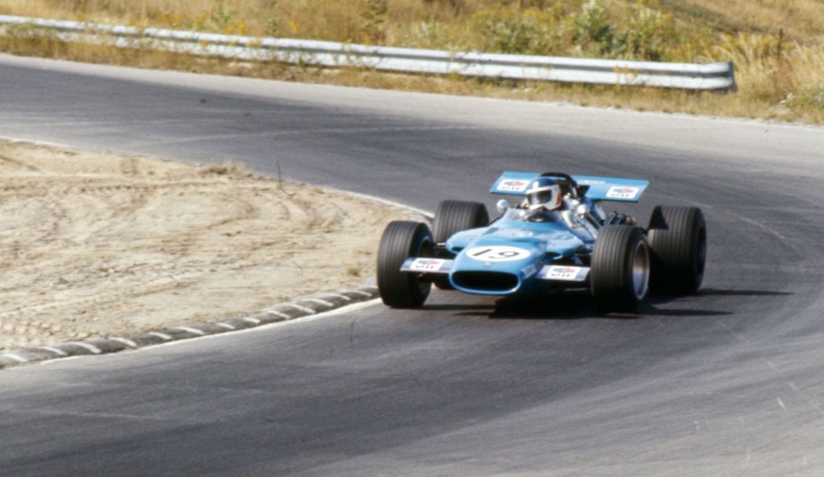 #OnThisDay in '69 the #CanadianGP generated 2 #AnorakFacts: (1) Johnny Servoz-Gavin became the only driver to score an #F1 point in a 4wd car (Matra MS84; pic); (2) Al Pease (Eagle T1G) became the only F1 driver to be disqualified for driving too slowly. Jacky Ickx (Brabham) won. https://t.co/ah0ZcDxd8Z
