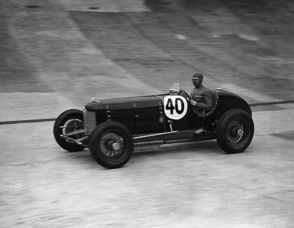 Whitney Straight practicing for the British Drivers Club's 500 mile race at Brooklands in England on Sept. 20, 1934. Photo credit: AP. #OTD https://t.co/8lCicVdaa1