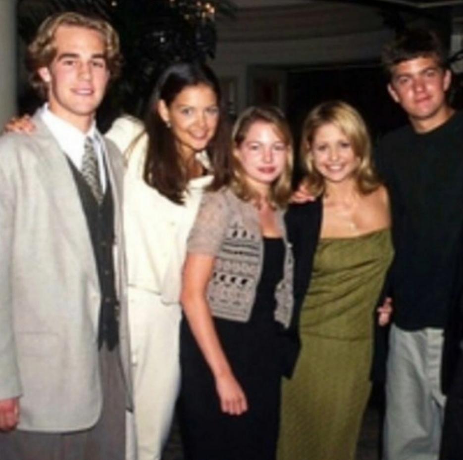¿Capeside o Sunnydale? #los90  #BuffyTheVampireSlayer #DawsonsCreek https://t.co/dNhNtXG1Rq