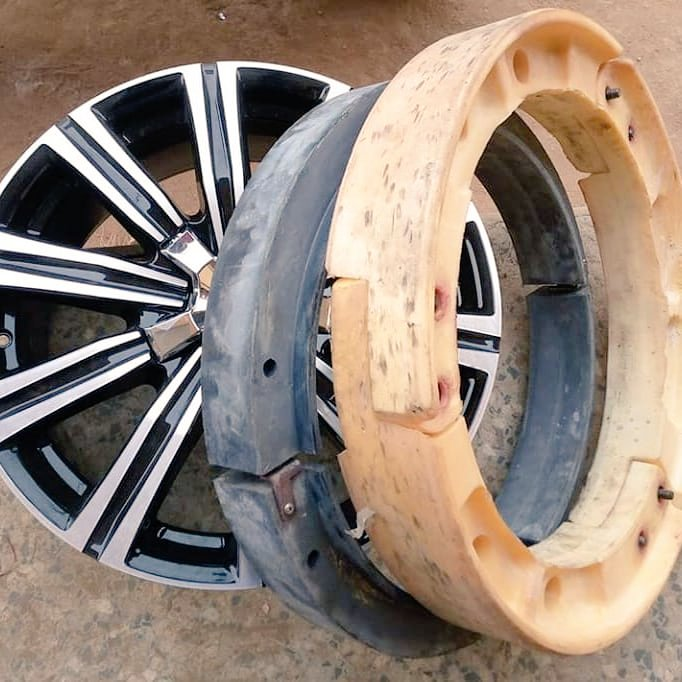 21 Rim for Lexus LX 570 and Toyota Land cruiser with the bulletproof is available in stock, (DM/call or Whatsapp us on 08106040685) https://t.co/1fonMsi0ZH