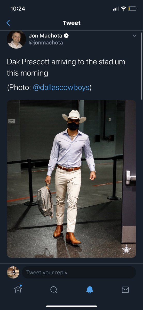 This is yalls king. Bro I'm boutta find a new team this guy is ass