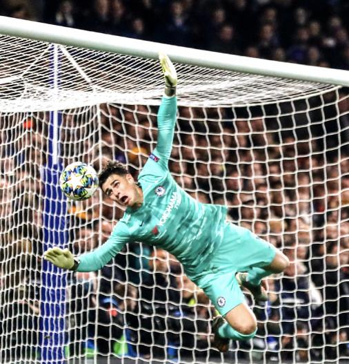 Summary of Kepa's Chelsea career 😭 https://t.co/Tn4QXWpzBU