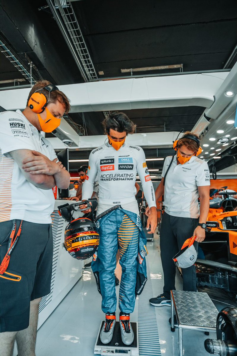 ↕️ After some good rest we are back on race mode!  Can you guys guess my weight before a GP?? @McLarenF1 @EG00  -  #Carlossainz https://t.co/Pa7cGxkE6F