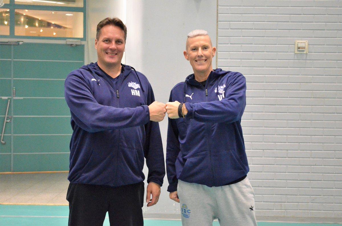❗️BIG NEWS❗️ Virginie De Carne starts as the new head of junior coaching of Lempo-Volley. Welcome Viri! Article and first interview: https://t.co/kHgtqaDgd5 #lentopallo #volleyball #lempovolley #Lempäälä #Belgium #Finland https://t.co/l7EMC0yTur